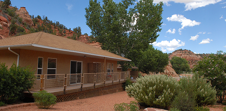 https://bestfriends.org/Stay%20at%20a%20Best%20Friends%20Cottage%20in%20Kanab%2C%20UT