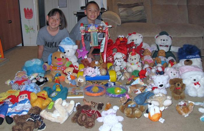 Brianna and Matthew and their stuffed animals