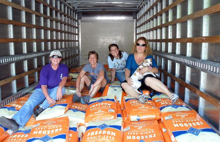Blue Buffalo pet food donation given to No More Homeless Pets Network partner