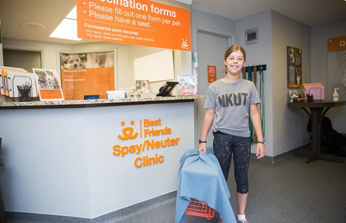 Sarah Jones bringing a community cat to the Best Friends Spay/Neuter Clinic