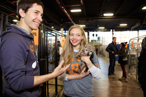 Amanda Seyfried and Justin Long show off Buttercup